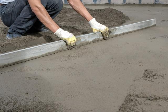 Como nivelar um chão de cimento